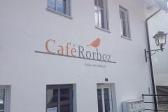 Fassade-Cafe-Rorboz-nachher